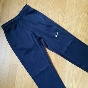 Size 7/8 kid Nike athletic pants